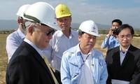 Director general de AIEA recorre Ninh Thuan sitio de futura planta nuclear