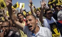 Egipto condena a prisión a otros 42 seguidores de Mursi