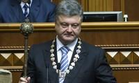 Petro Poroshenko investido presidente de Ucrania