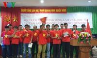 Cariño de vietnamitas en Tailandia hacia el mar y las islas nacionales
