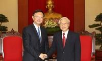 Máximos dirigentes vietnamitas dialogan con el consejero de Estado chino