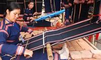 Mejora subsistencia para mujeres étnicas con oficio tradicional de tejido