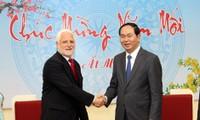 Sesiona ministro de Seguridad Pública de Vietnam con Director General del Ministerio de Defensa de I