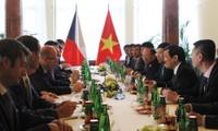 Ratifican dirigentes de Vietnam y República Checa interés de afianzar relaciones