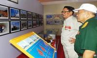 """Exhibición """"Van Tuong – Dung Quat desde la victoria antiyanqui hasta la primera planta petroquímica"""""""