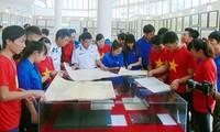 Exposición de mapas y documentos sobre archipiélagos de Hoang Sa y Truong Sa de Vietnam