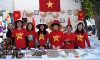 Productos artesanos de Vietnam sobresalen en Bazar Internacional de Ayuda Humanitaria en India