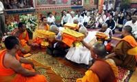 El festejo Chol Chnam Thmay de los jemeres en saludo del año nuevo