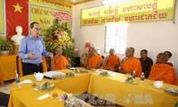 Jefe del Frente de la Patria comparte alegría con los jemeres vietnamitas en su fiesta de Nuevo Año