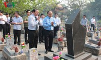 Primer ministro homenajea a los combatientes caídos en Quang Tri