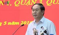 Aspirantes al Parlamento efectúan encuentros preelectorales en Hanoi y Ciudad Ho Chi Minh