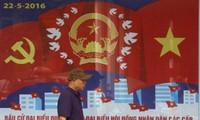 Medios extranjeros informan de las elecciones legislativas y locales en Vietnam
