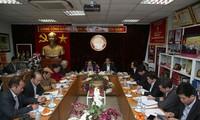Vietnam determinado a construir una sociedad del conocimiento