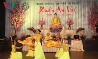 Budistas vietnamitas en República Checa dan bienvenida a la primavera