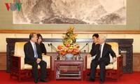 Líder partidista recibe a dirigentes de dos empresas chinas activas en Vietnam