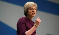 """Brexit: Primera ministra """"opta por camino más complicado"""", según expertos"""