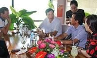 Conversaciones matutinas acompañadas de un café en Quang Ninh