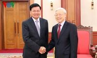 Líder partidista de Vietnam recibe al primer ministro laosiano