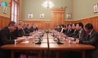 Vietnam y Hungría por elevar relaciones bilaterales en todos los sectores