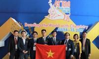Alumnos vietnamitas conquistan 3 medallas de oro en Olimpiada Internacional de Química 2017