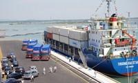 El puerto de Chu Lai, centro logístico importante en la zona central de Vietnam