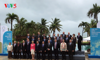 Delegados internacionales participantes en la Cumbre de APEC aprecian el papel de Vietnam
