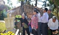 Decenas de miles vietnamitas visitan tumba del general Vo Nguyen Giap