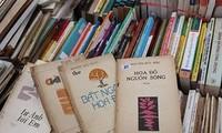 Renace en Hanói el interés por los libros viejos