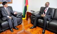 Mozambique aboga por recibir más inversiones de Vietnam