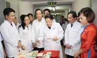 Presidenta parlamentaria de Vietnam en el Centro Nacional de Archivos
