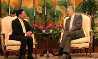 Canciller vietnamita se reúne con los jefes de Estado y Gobierno de Singapur