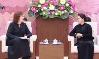 Dirigentes parlamentarias de Vietnam y Rusia dialogan sobre relaciones bilaterales