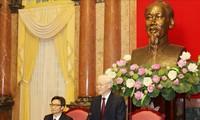 Líder del Partido Comunista y del Estado de Vietnam enaltece a los alumnos sobresalientes