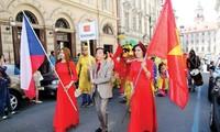 República Checa proyecta ampliar la cooperación con Vietnam