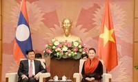 Líder parlamentaria vietnamita se reúne con el jefe de Gobierno laosiano