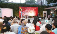 Vietnamitas en Argentina saludan al Año Nuevo Lunar 2019