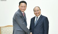 Premier vietnamita se reúne con embajador surcoreano