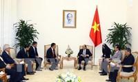 Jefe de gobierno vietnamita recibe al ejecutivo de corporación tailandesa