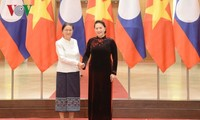 Presidenta parlamentaria vietnamita recibe a su par laosiana