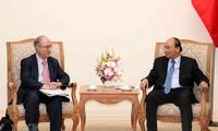 Premier vietnamita recibe al jefe de Servicio Universitario Mundial de Alemania