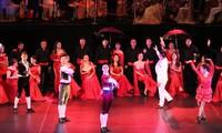 Gala artística en Hanói ofrece un recorrido por el mundo a través de la música