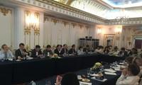Vietnam y Cuba intercambian experiencias en la reforma de empresas estatales