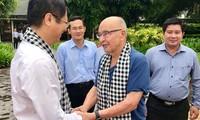 Potentado británico visita ciudad vietnamita de Can Tho