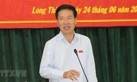 Legisladores vietnamitas se reúnen con electores