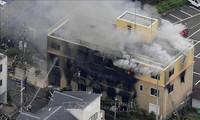 Acusan al hombre capturado por provocar incendio en un estudio de animación en Japón