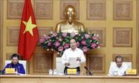 Premier vietnamita pide perfeccionar informes sobre el desarrollo socioeconómico del país