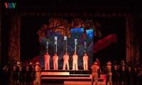 """Hình ảnh: Công diễn vở cải lương """"Hừng Đông"""" tại Nhà hát Lớn Hà Nội"""