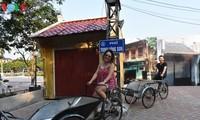 Thong dong đi bộ trên phố Trịnh Công Sơn
