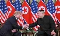 Điểm lại những khoảnh khắc của Tổng thống Donald Trump và Chủ tịch Kim Jong-un tại Hội nghị thượng đỉnh lần 2 tổ chức ở thủ đô Hà Nội