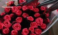 Ngày Quốc tế Phụ nữ 8/3 đa dạng các loại hoa hồng tại thủ đô